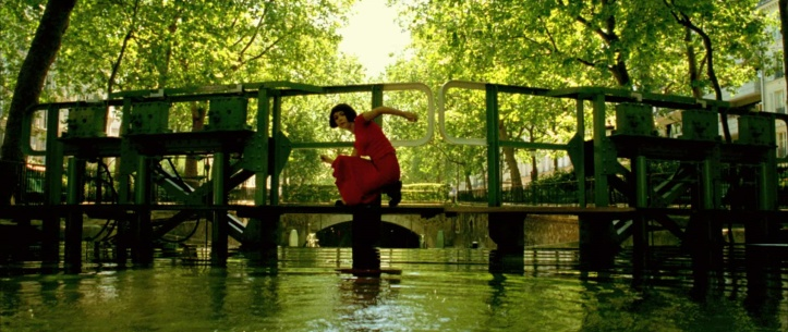 amelie-10-screencapture-canal-saint-martin-paris