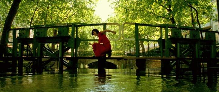 amelie-10-screencapture-canal-saint-martin-paris
