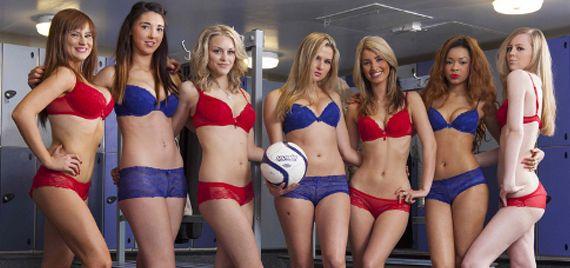 dames-spelen-fa-cup-finale-in-lingerie-570x268x1x